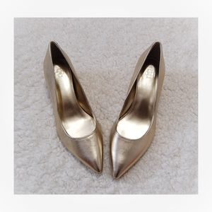 Ann Taylor Gold Pointed Toe Leather Heels 6.5